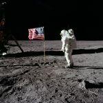 595px-Buzz_salutes_the_U.S._Flag