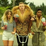 "White rapper ""Macklemore"" denounces himself for being white"