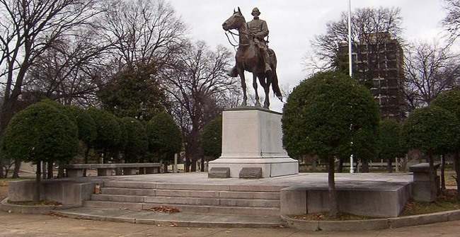 Blacks symbolically take a shovel to Nathan Bedford Forrest's grave in Memphis