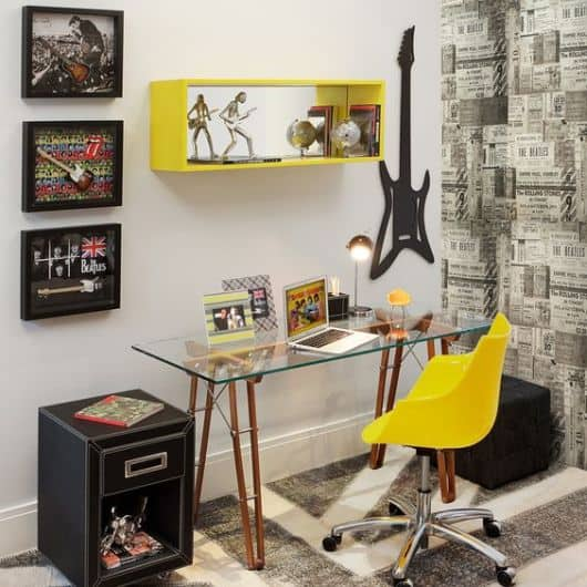 home-office-simples-amarelo