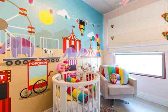 quarto de bebe circo colorido