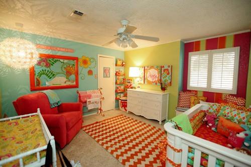 quarto de bebe colorido