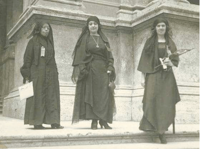 Nabawiyya Musa, Huda Shaarawi, and Saiza Nabarawi at the International Feminist Conference, Rome, 1923, accessed on February 1st, 2016