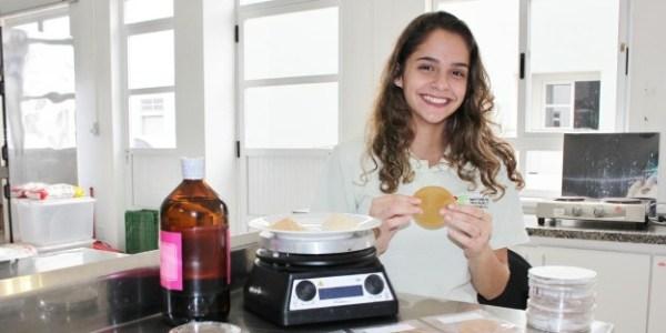 Antes mesmo de entrar na universidade, Juliana tem currículo de prêmios digno de cientista sênior
