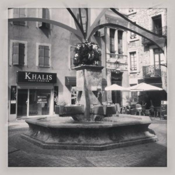 Place-des-Quatre-Fontaines-copie-1-300x300