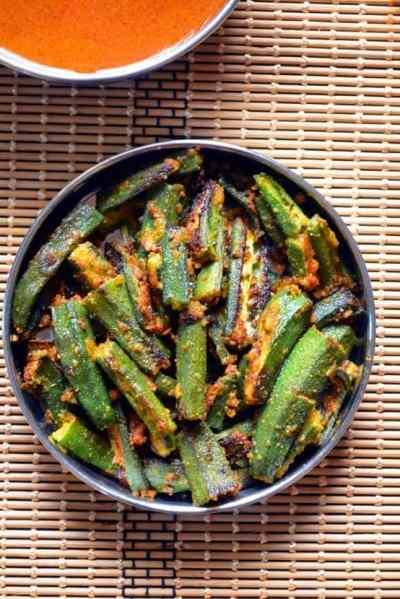 Crispy okra fry recipe| Okra fry with gram flour recipe | Besanwali bhindi recipe