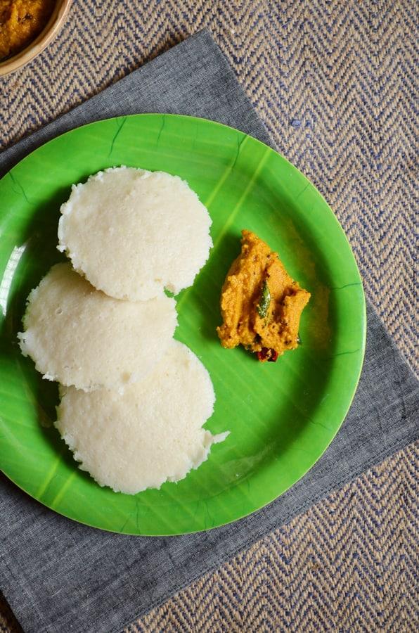 idli with carrot chutney
