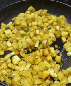 potato podi curry step 5