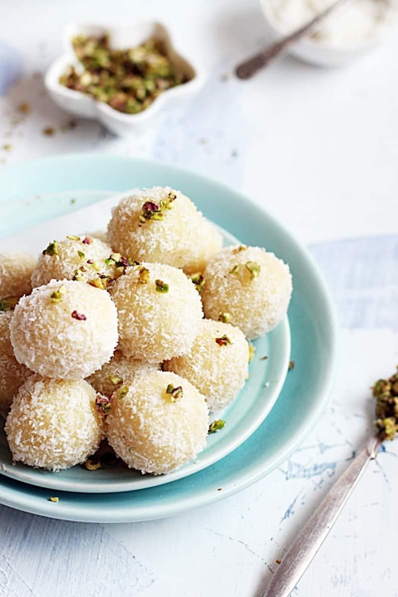 coconut-khoya-laddu-recipe-b