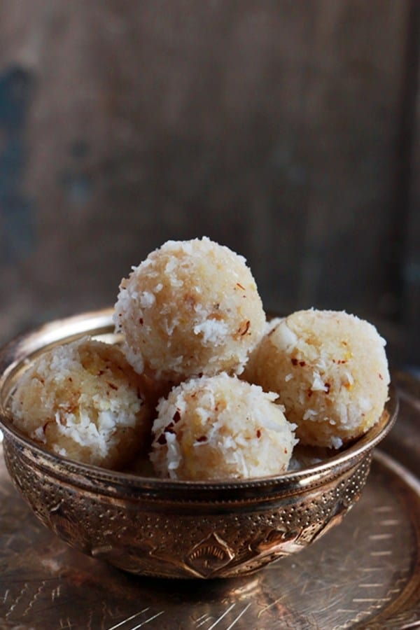 coconut-ladoo-recipe-a