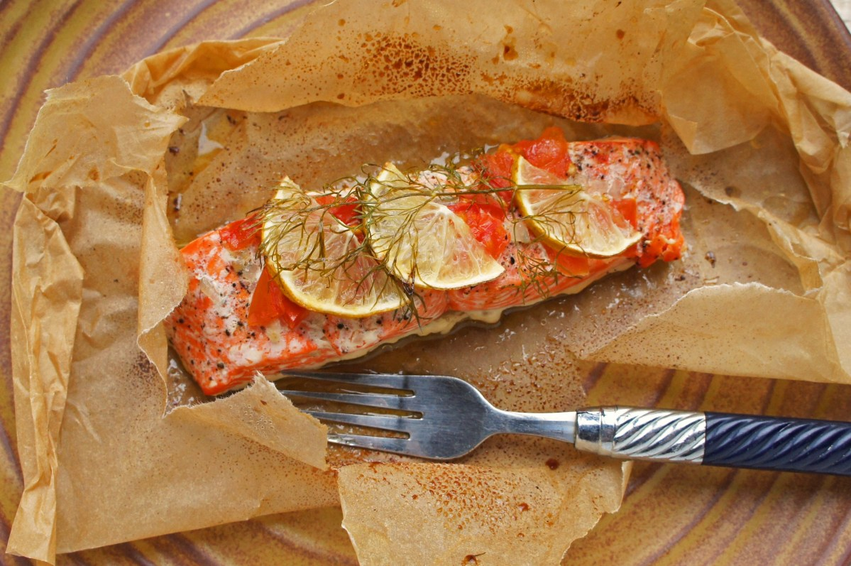 Kathleen flinn cooking in parchment video lesson for Cooking fish in parchment paper