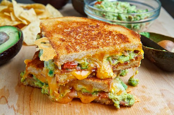 Bacon-Guacamole-Grilled-Cheese-Sandwich.jpg?resize=570%2C378