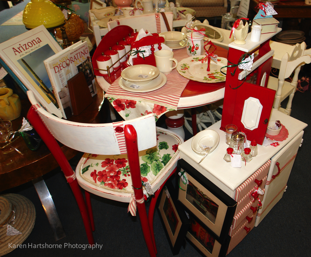 17 best ideas about retro kitchen tables on pinterest vintage retro kitchen table sets Vintage Kitchen Dinette Set In Red And White Copper Country Antiques