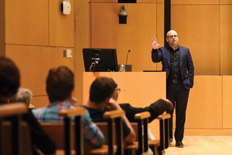 Prof. Daniel Ziblatt lectures on the decline of American democracy in Klarman Hall.