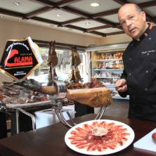 Curso profesional de corte de jamón y platos de presentación
