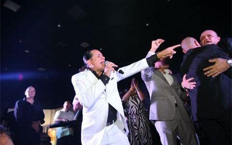 """Manny Fuentes """"El imponente de la Salsa"""""""
