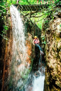 hacienda_guachipelin_canyoning01