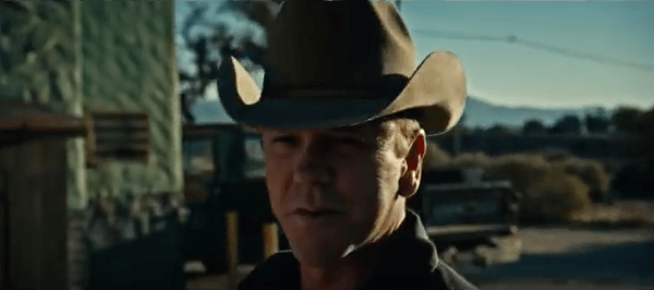 Kiefer Sutherland sort son 1er clip