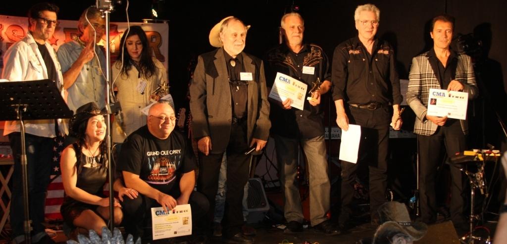 """Le """"Trophée Come Swap"""" a été décerné aux participants invités par Come Swap."""