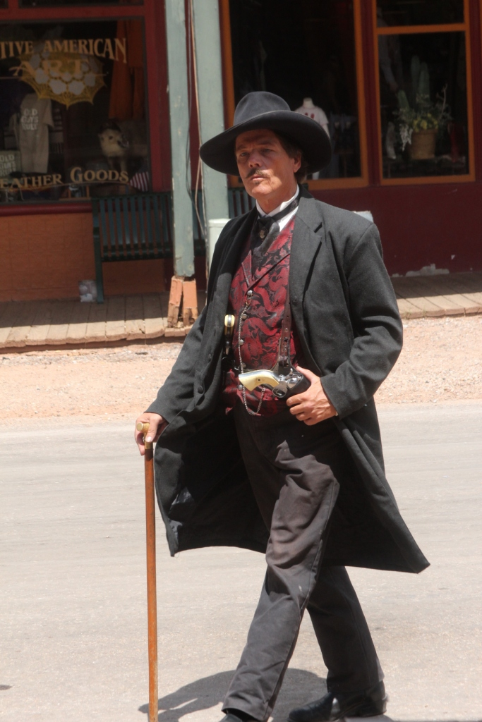 Tombstone - Doc Holliday se promène en ville !
