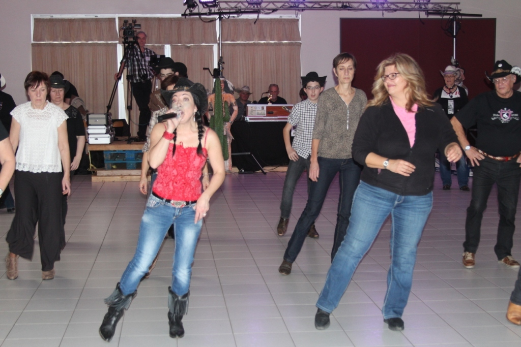 Sabrina (chanteuse et danseuse !) et Chrystel Durand