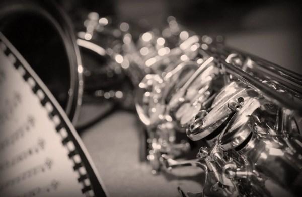comment commencer le saxophone pour debutant cours de saxophone gratuit en ligne. Black Bedroom Furniture Sets. Home Design Ideas