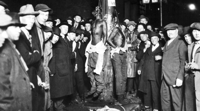 Duluth-lynching-postcard