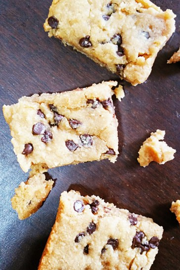 gluten-free-peanut-butter-chocolate-chip-bars-3