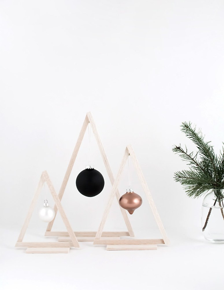 Mini Wood Modern Holiday Deoc