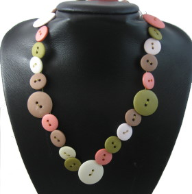 Necklace – Vintage Wire & Buttons