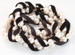 pearl-and-velvet-bracelet