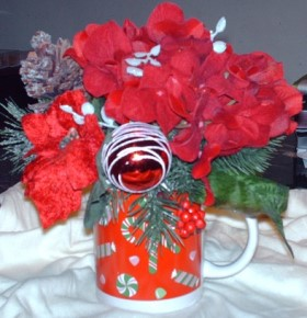 Christmas Mug Centerpiece