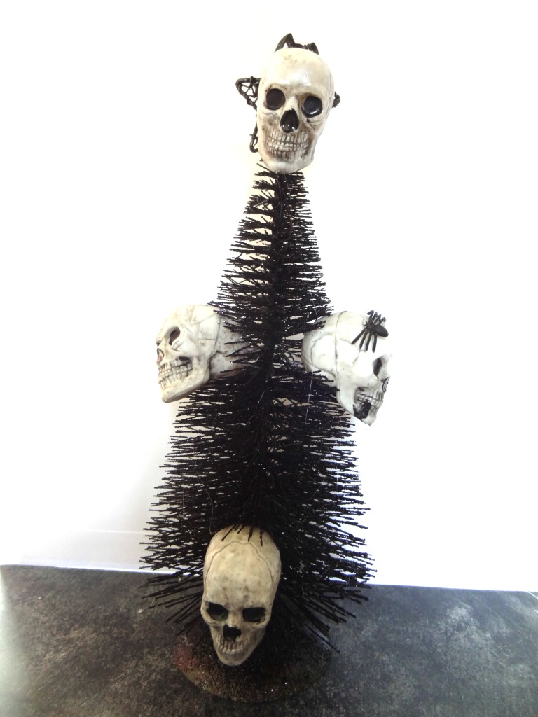 Halloween Skull Tree Centerpiece
