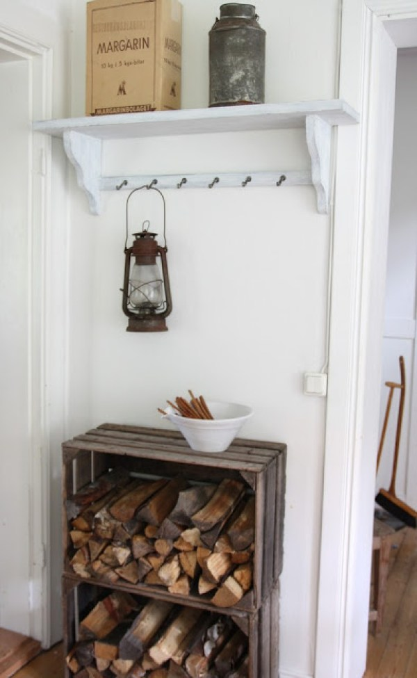 7 indoor firewood storage solutions craft gossip for Log storage ideas