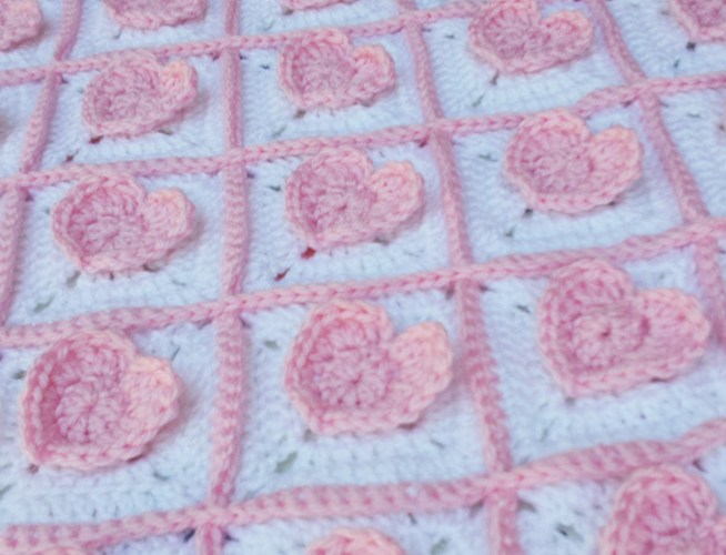 3D Heart Granny Square Baby Blanket – Free Crochet Pattern