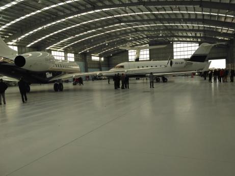 Plane transport for Lindsay Fox
