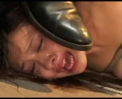 【鬼畜SM動画】閲覧注意!泣きじゃくる女が緊縛され地獄絵図の様なSM凌辱を受ける・・・