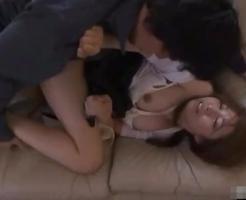 【NTRレイプ動画】泣こうが喚こうが無駄!自宅に押し入ってきた不審者に衣服を引き裂かれて強引に犯される美人若妻・・・