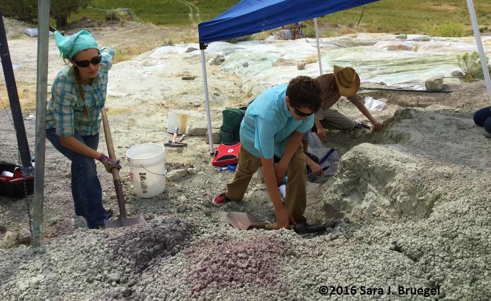 digging-clay-3