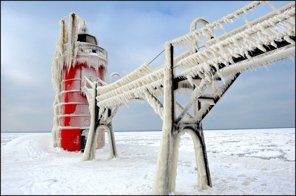 frozen-lighthouses-13[5]