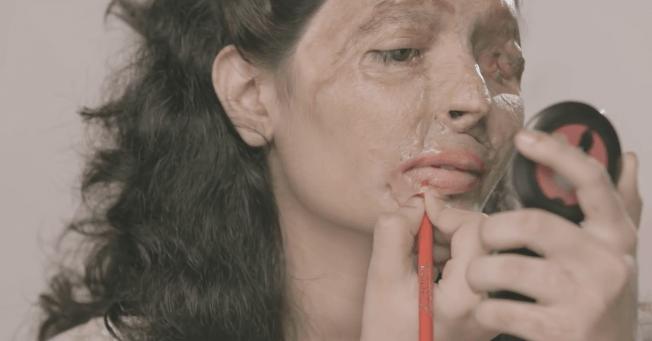 Desgarrador videotutorial de maquillaje