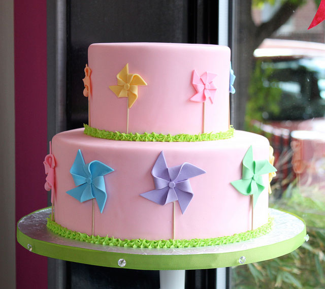 10 Cake Decorating Ideas Guaranteed to be Top Hits easy cake decorating ideas