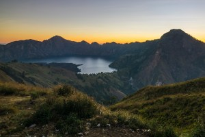 The caldeara lake of Rinjani at sunset, after our 6 hour hike.
