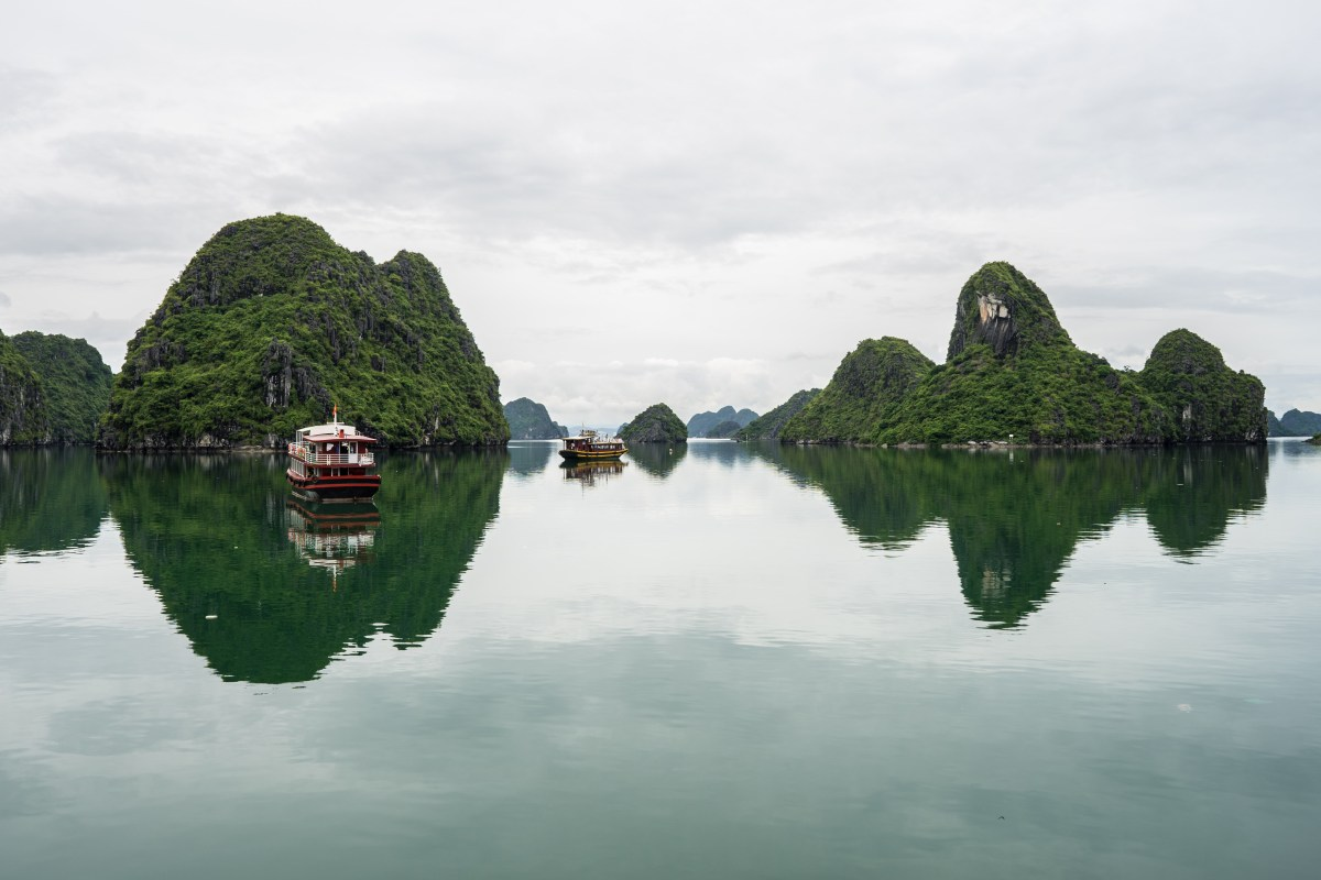 Day 9 Vietnam:  Luck goes our way - a day on Lan Ha bay