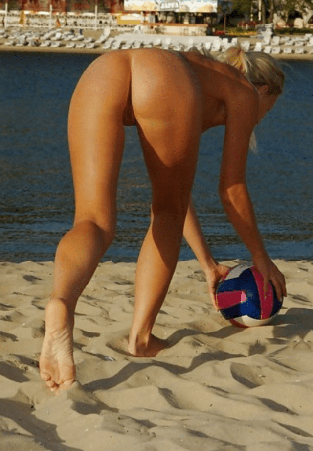 Naked beach volleyball girls will