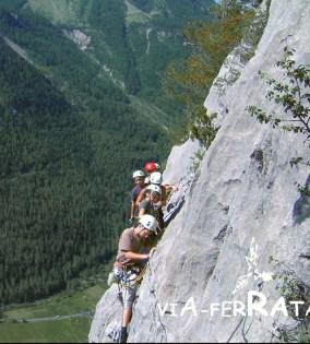 Via ferrata initiation dans les Hautes-Alpes