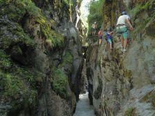Cours, stages via ferrata et canyoning débutant avec un moniteur des Hautes Alpes