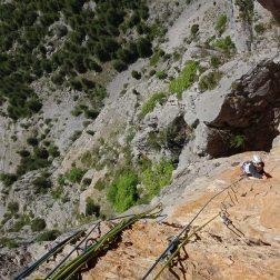 apprendre l'escalade, stage d'escalade, grimper Guillestre