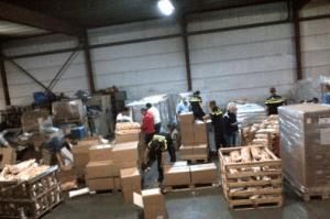 Agenten druk bezig met wiet & chips © twitter @PolitieLE