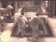 Overvallers rennen met buit weg uit casino in Zuid-Frankrijk © screenshot